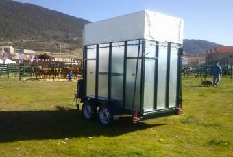 Remolques de transporte de ganado