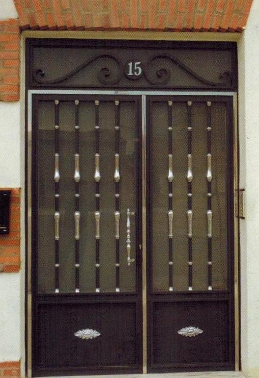 Puerta exterior portal doble hoja for Puerta doble hoja exterior